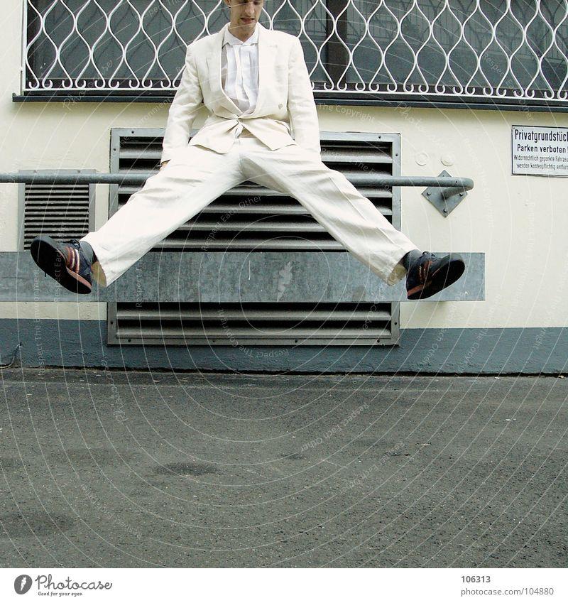 MORGENGYM: BEINE BREIT [KOLABO] weiß Beine Anzug trashig Freak 18-30 Jahre Gleichgewicht Anschnitt Mensch kühlen nerdig Lamelle Kühlung Lüftung spreizen