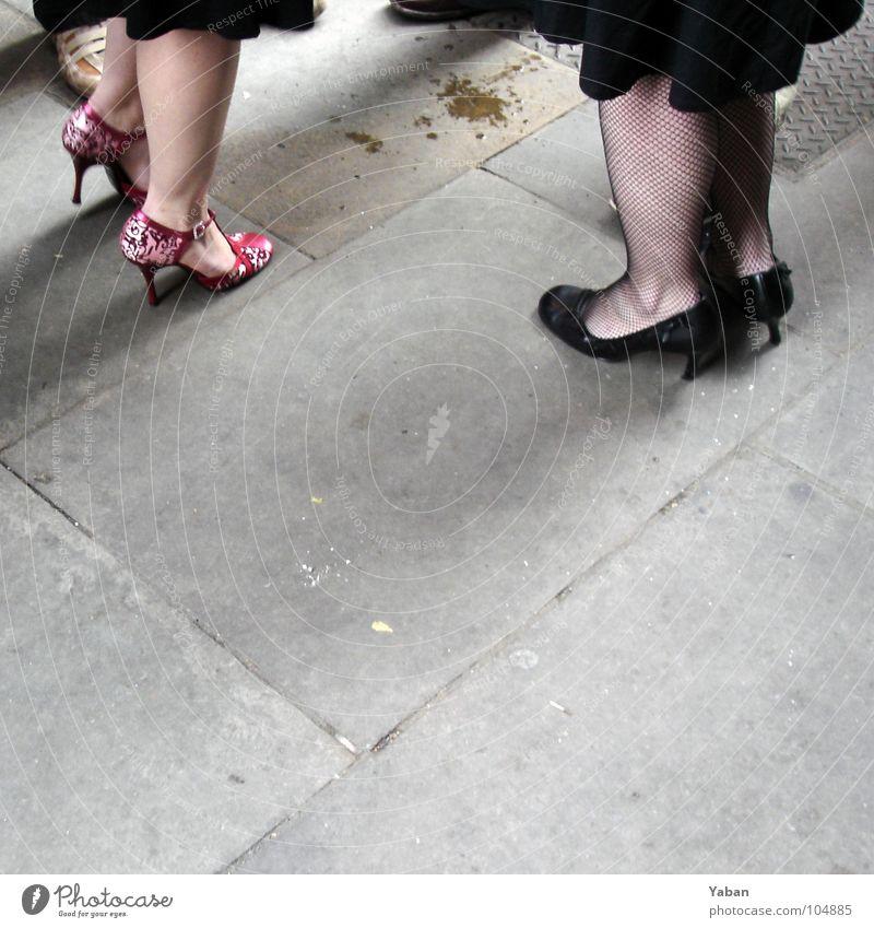 Ladies - smoking Frau Erwachsene feminin sprechen Stil Beine Fuß Feste & Feiern Schuhe elegant Erfolg Lifestyle Team Bar Sitzung Gastronomie