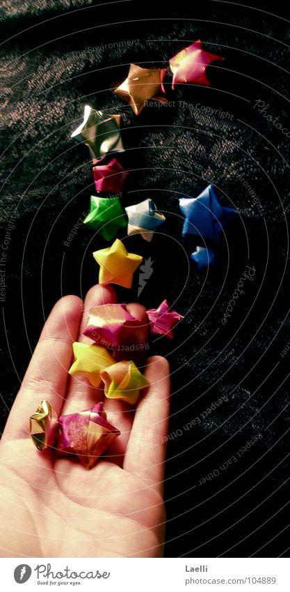 Ich hol dir die Sterne vom Himmel lll Hand Stern (Symbol) mehrfarbig rot gelb schwarz dunkel träumen Himmelskörper & Weltall blau
