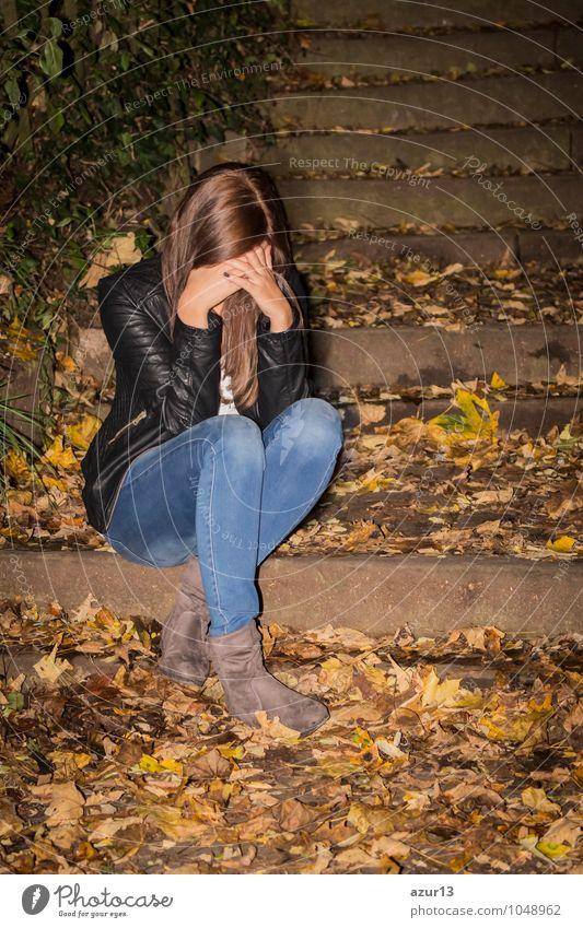 Sorrowfull woman with headaches Mensch Frau Natur Jugendliche Junge Frau Hand Landschaft Einsamkeit 18-30 Jahre kalt Erwachsene Umwelt Traurigkeit Gefühle