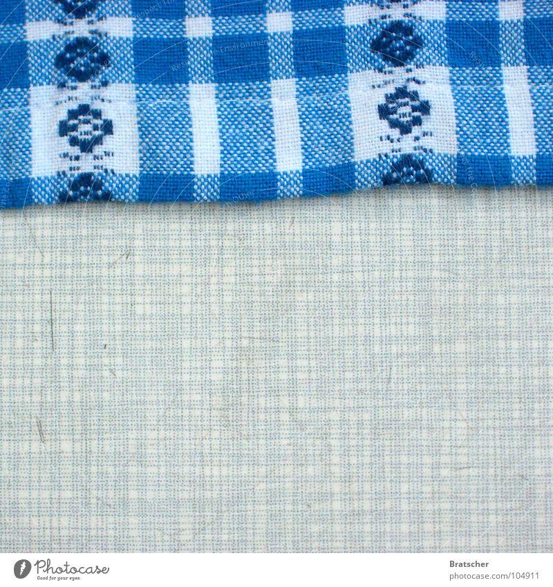 Aufgegessen. blau alt Tisch Stoff Küche Gastronomie Bayern edel altehrwürdig Tischwäsche Dachboden Tischplatte