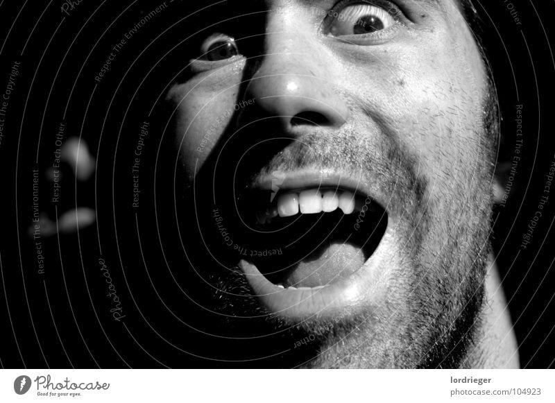 eigendarstellung_01 schreien laut kalt schwarz Bart Mann ich sascha rieger heis Angst Auge Mund weis Haut Mensch Kopf Zähne