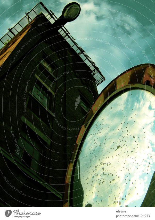 second world Himmel Stadt alt blau schön weiß Sonne Hand rot Einsamkeit Wolken Haus Fenster schwarz Straße Architektur