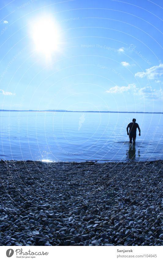 Bavarian Yeti Chiemsee See Meer Kieselsteine Strand Wellen Reflexion & Spiegelung Wolken Bayern Sommer Ferien & Urlaub & Reisen Spielen Wasser blau Sonne Küste