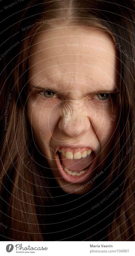 """""""Ich bin leicht gereizt"""" Frau leicht Kraft gefährlich Wut schreien Gewalt immer böse Freak Ärger Aggression Hass Frustration Angriff"""