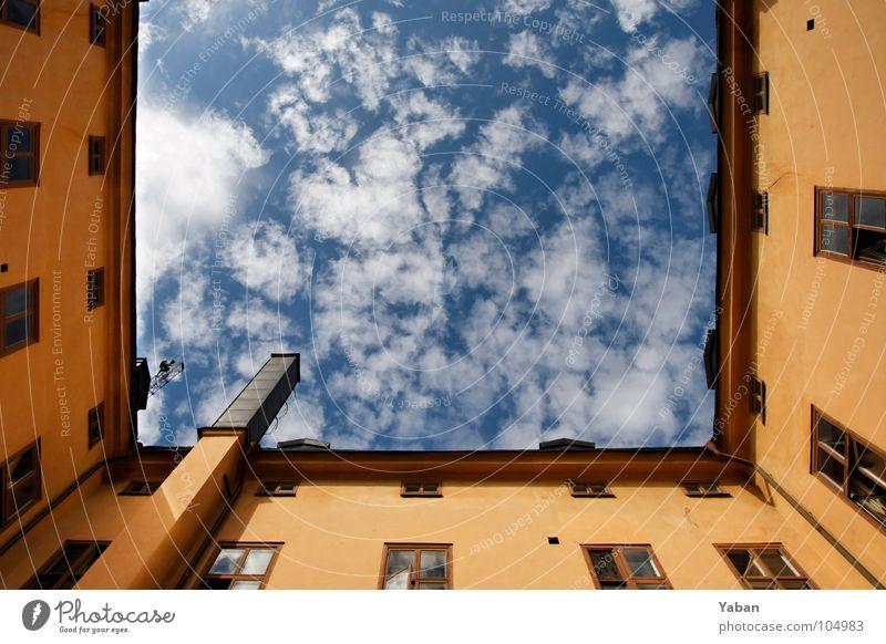 Sky over Stockholm Himmel Stadt Sommer Wolken Haus Fenster gelb Wand Architektur Mauer Freiheit Fassade Ecke Schönes Wetter Dach Geometrie