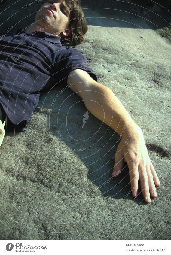 MY TRIP IN 50 METERS Mann Hand grün Farbe Erholung Stein liegen Verkehrswege