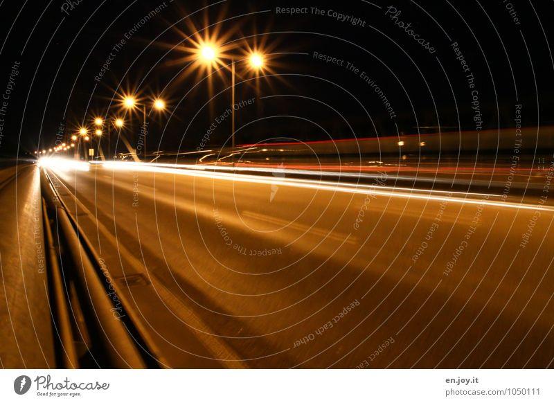 Sternfahrt Energiewirtschaft Karlsruhe Stadt Menschenleer Brücke Verkehr Verkehrswege Straßenverkehr Autobahn Rheinbrücke leuchten gelb orange weiß Fernweh