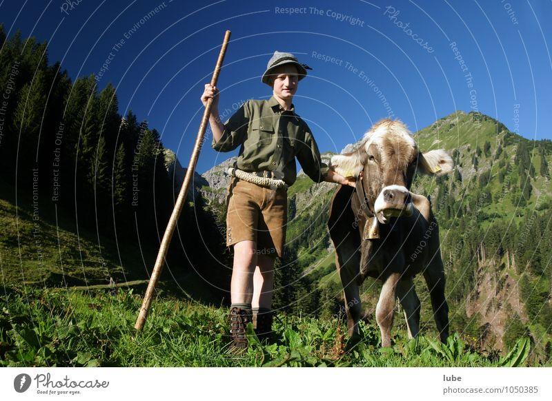 Jungbauer Mensch Kind Natur Sommer Landschaft Freude Tier Umwelt Berge u. Gebirge Felsen Landwirtschaft Hügel Alpen Zusammenhalt Wolkenloser Himmel Haustier