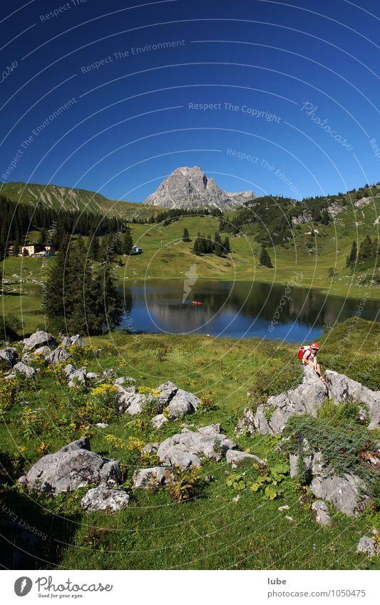 Körbersee Umwelt Natur Landschaft Pflanze Wasser Himmel Wolkenloser Himmel Sommer Klima Schönes Wetter Hügel Felsen Alpen Berge u. Gebirge Gipfel blau