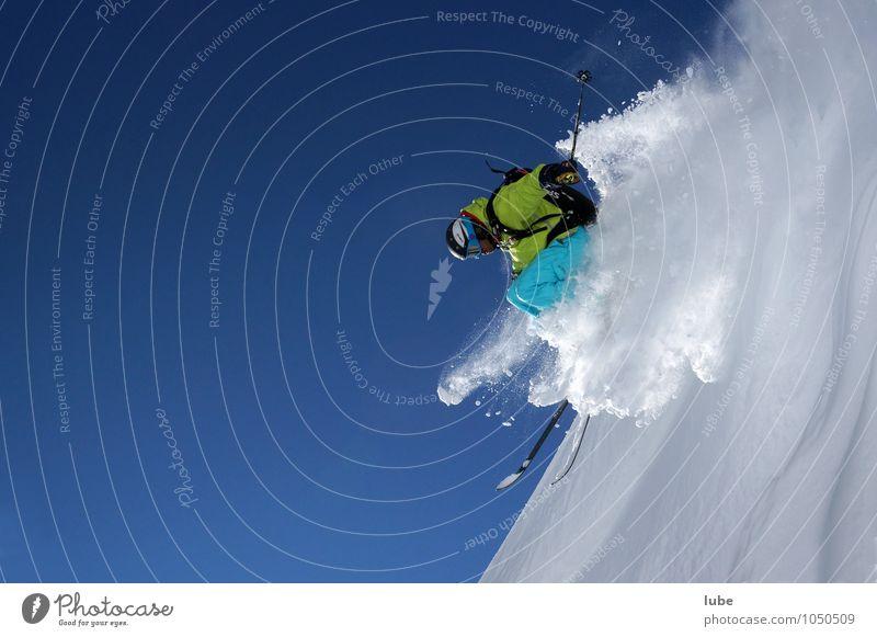 Freerider 2 Sport Wintersport Skier 1 Mensch Natur Wolkenloser Himmel Schnee Alpen Berge u. Gebirge Fitness springen blau weiß freerider Skifahrer Tiefschnee