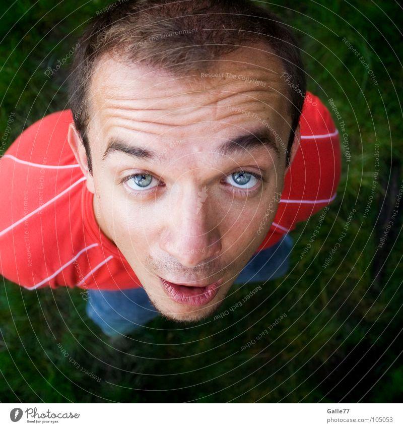armlos Mensch Mann grün rot Wiese oben lustig stehen