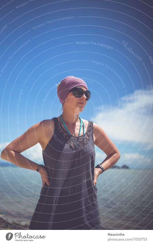 Fernweh Ferien & Urlaub & Reisen Tourismus Abenteuer Ferne Freiheit Sommerurlaub Meer Mensch feminin Junge Frau Jugendliche Erwachsene Leben Oberkörper 1