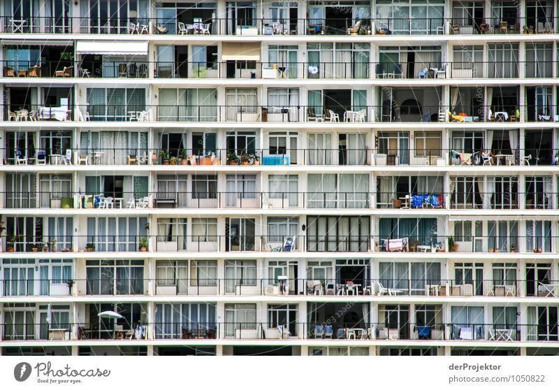 Mallorca von seiner schönen Seite 26 – ne doch nicht Ferien & Urlaub & Reisen Sommer Sonne Meer Haus Strand Architektur Gefühle Gebäude Fassade Wellen Tourismus