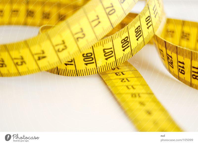 Maßband Rennbahn Schneidern Zentimeter Millimeter Genauigkeit maßgearbeitet Präzision Stoff Textilien richtig Norm gelb schwarz Ziffern & Zahlen Länge Ausmaß