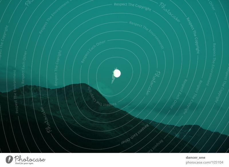 Mystischer Mond Davos Nacht Idylle Romantik geheimnisvoll Mondaufgang Berge u. Gebirge Geheimnissvoll