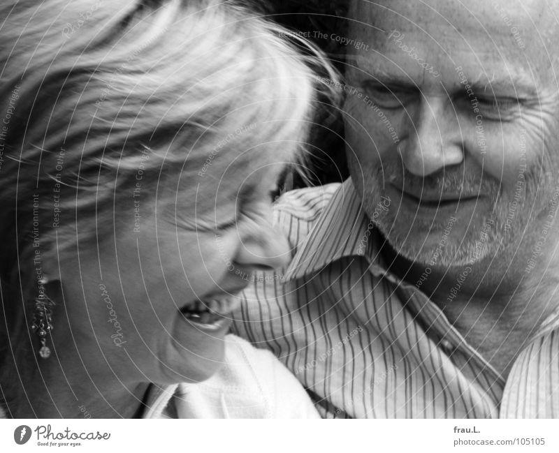 Paar Frau Mann Freude Liebe Glück lachen Paar Mensch Bart Falte Vorfreude Ohrringe Hochzeitspaar amüsiert 50 plus Lachfalte