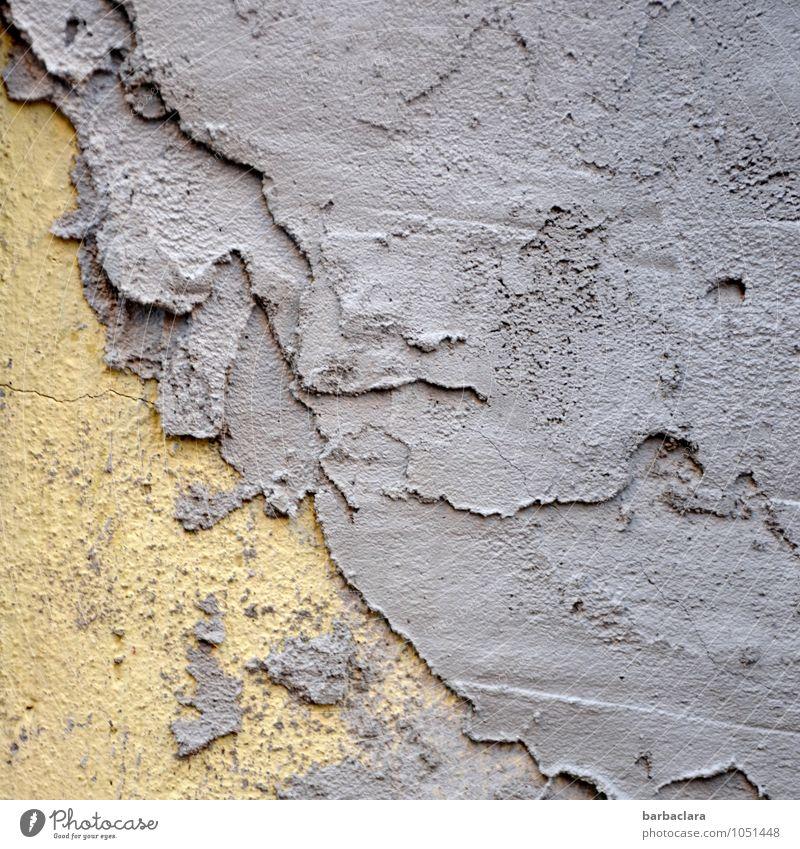 Schichtarbeit Handwerk Kunst Gebäude Mauer Wand Fassade Mörtel Putz Stein Beton Linie Arbeit & Erwerbstätigkeit kaputt Stadt gelb violett Farbe Verfall