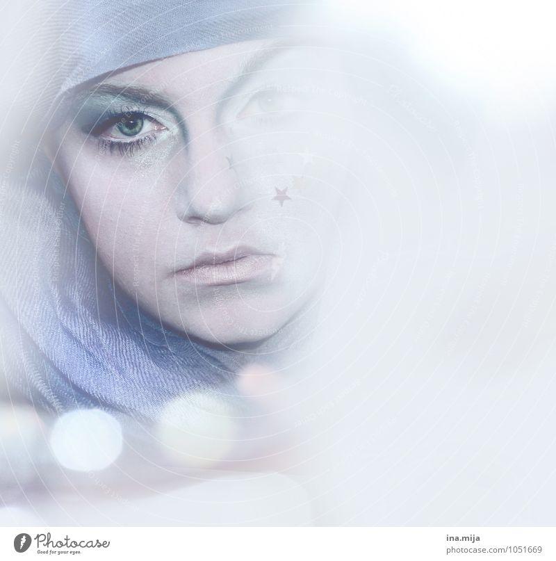 eisiges Sternbild Mensch Frau Jugendliche Junge Frau 18-30 Jahre Winter kalt Erwachsene Gesicht Auge feminin Feste & Feiern Kunst träumen Eis Stern (Symbol)