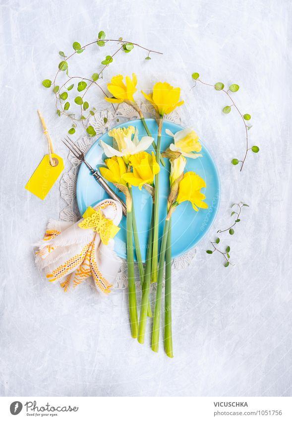 Blue Teller mit Narzisse, Tischdekoration Ernährung Festessen Geschirr Gabel Stil Design Wohnung Garten Innenarchitektur Dekoration & Verzierung Küche
