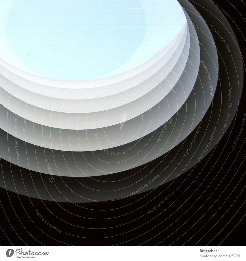 Lichtblick Himmel blau schwarz grau hell planen Kreis Streifen rund Brunnen Messe edel Ausstellung Lamelle hell-blau Kostbarkeit