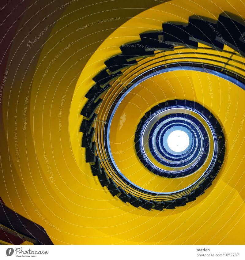 spin Menschenleer Haus Mauer Wand Treppe drehen blau gelb Treppenhaus Treppengeländer Dachfenster Spirale Farbfoto Innenaufnahme Textfreiraum links