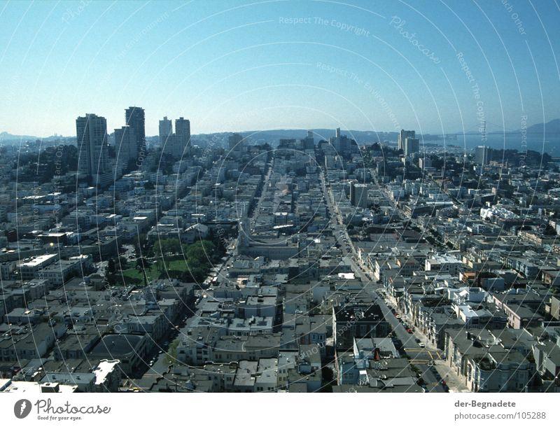 San Francisco 94 blau Stadt Ferien & Urlaub & Reisen Haus Einsamkeit Ferne Straße Leben Wohnung Straßenverkehr Verkehr Energiewirtschaft Ordnung USA Amerika Skyline