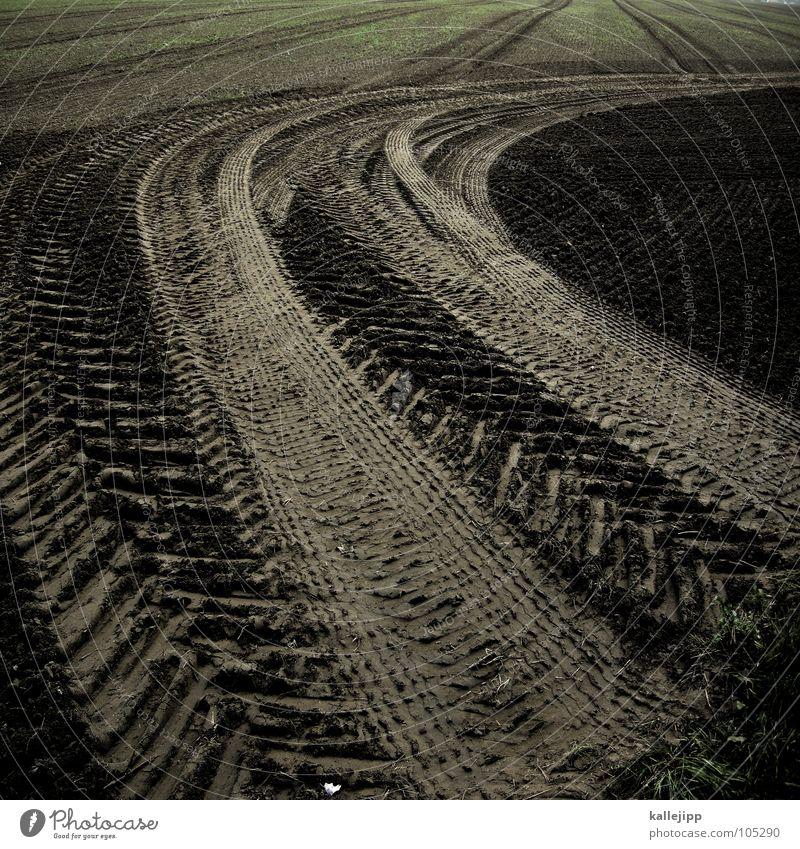 ackermann Feld lockern pflügen Pflug Spuren Fußspur Silhouette Arbeit & Erwerbstätigkeit Landwirtschaft lesen Motor Kolchose fruchtbar Ackerboden Besitz Herr
