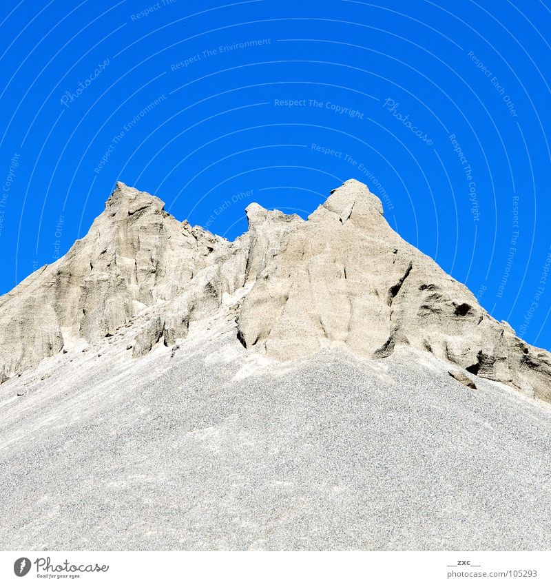 große grüne Wiese_01 Himmel blau Sommer gelb Berge u. Gebirge Wärme Sand Wüste Sauberkeit Physik Klarheit Hügel sehr wenige