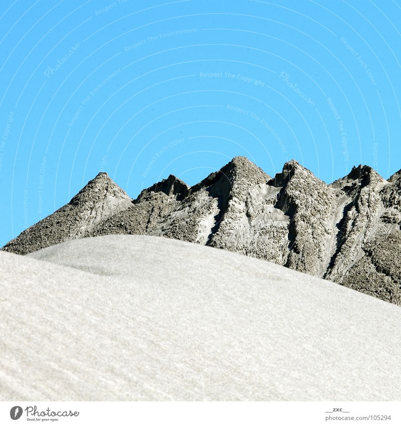 große grüne Wiese_02 Himmel blau Sommer gelb Berge u. Gebirge Wärme Sand Wüste Sauberkeit Physik Klarheit Hügel sehr wenige