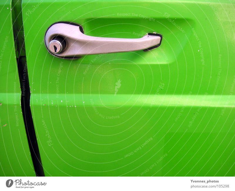 Grüner als grün grün Farbe Stil PKW Metall glänzend Verkehr Perspektive Autotür retro fahren KFZ Burg oder Schloss Verkehrswege Mobilität Fahrzeug