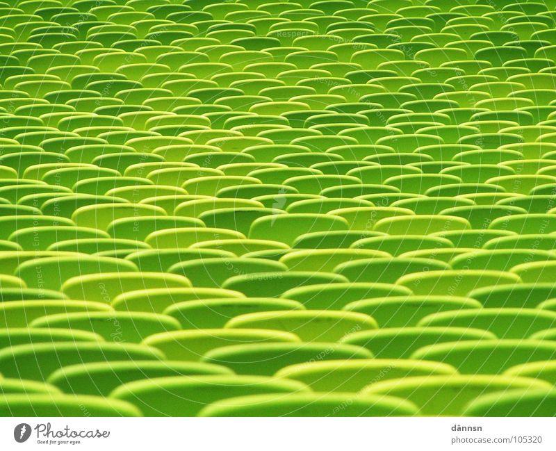 Take a Seat grün Stadion München Platz grün-gelb Sitzgelegenheit Sitzreihe Freizeit & Hobby Detailaufnahme Farbe Olympiade leer Strukturen & Formen