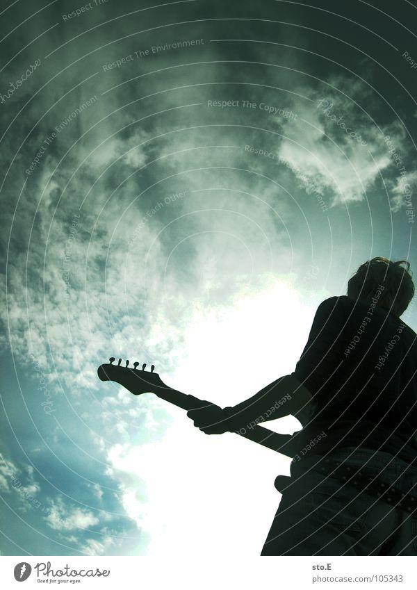 I'll rock you Mensch Himmel Jugendliche weiß Sonne Wolken Freude dunkel schwarz Beleuchtung Spielen Holz Kunst Stimmung hell Musik