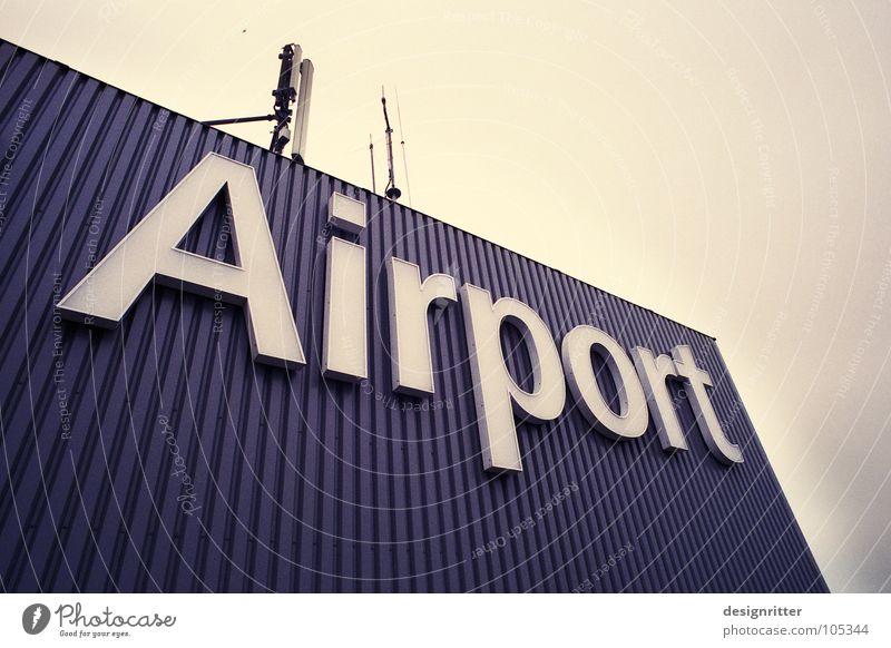 Lufthafen Ferien & Urlaub & Reisen Flugzeug fliegen Schilder & Markierungen Verkehr Luftverkehr Güterverkehr & Logistik Buchstaben Flughafen Typographie Abheben