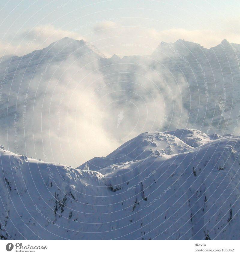 Stille Himmel Natur Ferien & Urlaub & Reisen Winter Wolken ruhig Erholung Umwelt Landschaft Schnee Berge u. Gebirge Zufriedenheit Nebel wandern Tourismus Klettern