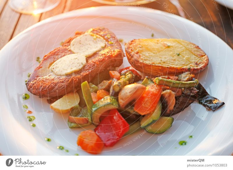 Sunshine Dinner. Lebensmittel Fleisch Meeresfrüchte Gemüse Abendessen ästhetisch Mallorca Mahlzeit Restaurant Steak Bohnen Kartoffeln Foodfotografie