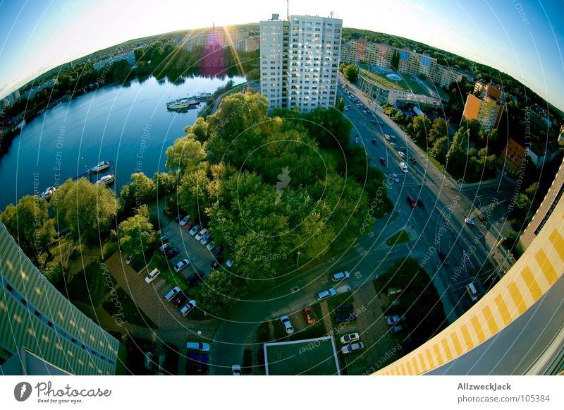 Die Welt ist keine Scheibe! Wasser Stadt hoch Hochhaus Fischauge tief Verkehrswege Stadtzentrum Hauptstadt Plattenbau gekrümmt Verzerrung Brandenburg Potsdam Havel