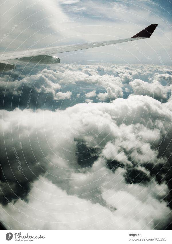ueber den wolken 2 weiß Ferien & Urlaub & Reisen Wolken kalt Schnee Metall Luft Erde Flugzeug Luftverkehr Flügel Maschine abgehoben