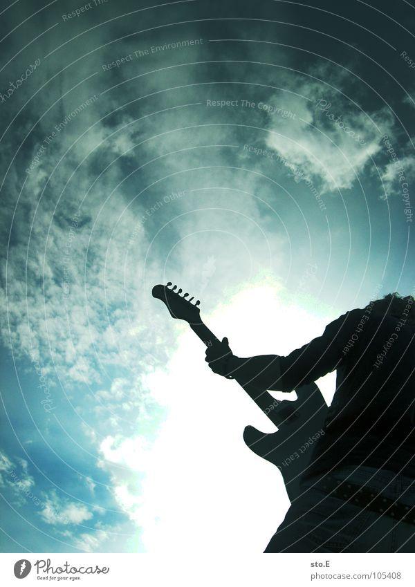 Rockin' All Over the World Mensch Himmel Jugendliche weiß Sonne Wolken Freude dunkel schwarz Beleuchtung Spielen Holz Kunst Stimmung hell Musik