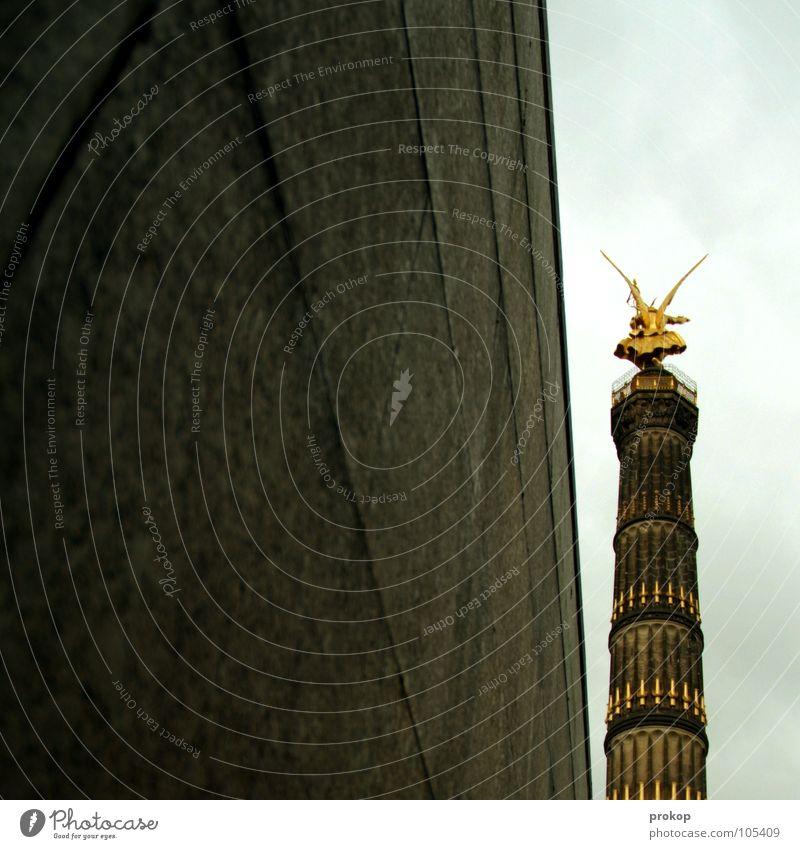 Tapfere Else schön Ferien & Urlaub & Reisen Einsamkeit Berlin Wand Mauer fliegen gold Beton verrückt Engel Tourismus Aussicht Ziel Turm Flügel