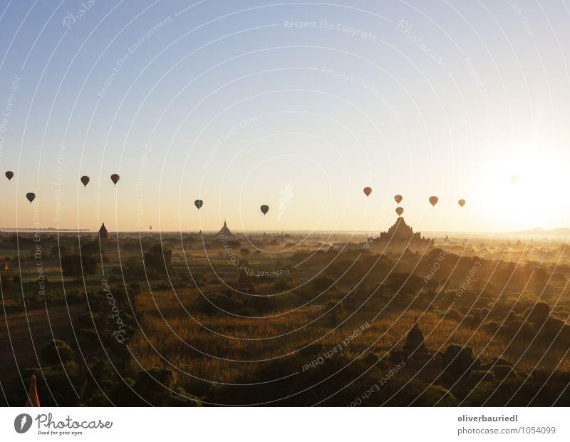 Die Tempel von Bagan Sonne Erholung Landschaft Ferne Architektur Denken Freiheit außergewöhnlich Kunst leuchten gold authentisch Schönes Wetter Neugier