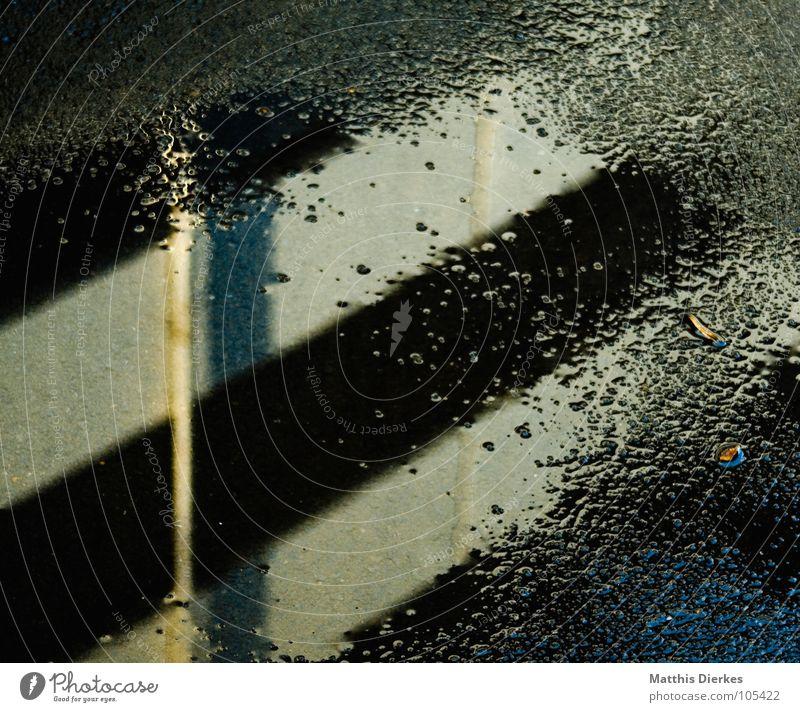 HERBST Stadt Wasser Haus Winter schwarz Wand Architektur Traurigkeit Gefühle Herbst Stil Gebäude Tod Fassade Regen Wetter