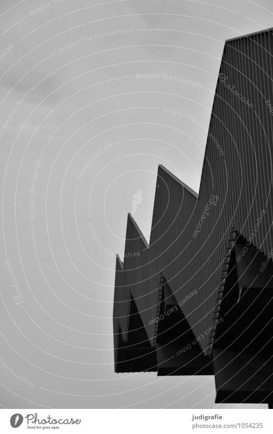 Hinauf Stadt Bauwerk Gebäude Architektur Treppe eckig Zickzack Treppengeländer Schwarzweißfoto Außenaufnahme Menschenleer Tag