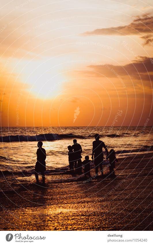ein tag am strand. Mensch Ferien & Urlaub & Reisen Sommer Sonne Erholung Meer Landschaft Strand Leben Küste Glück Familie & Verwandtschaft Freizeit & Hobby