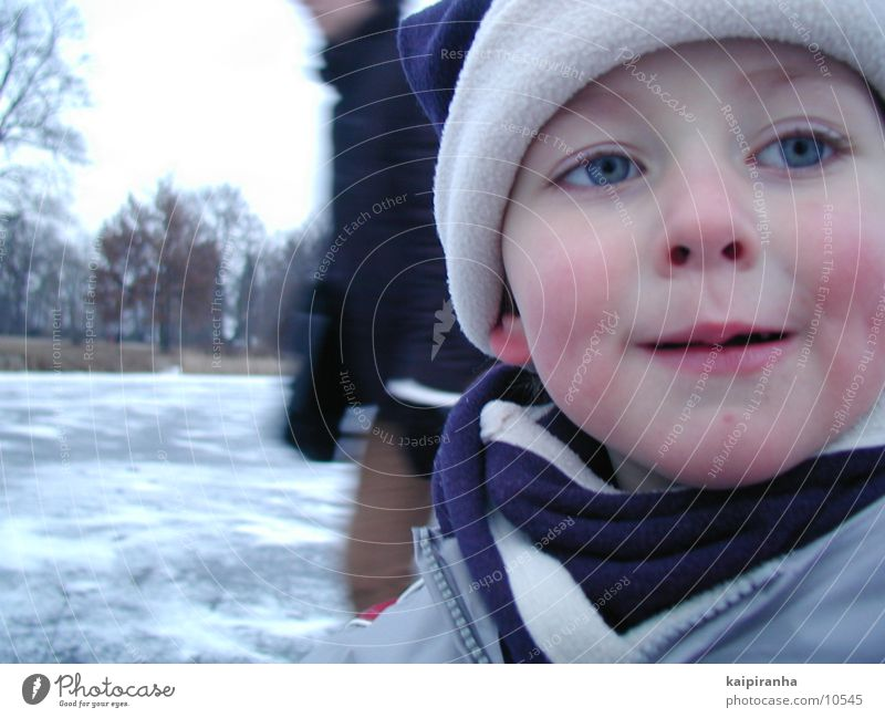 The Iceman Winter Kind kalt Mütze Schlittschuhlaufen Schnee Gesicht Nahaufnahme Eis