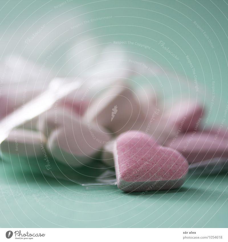 Herzchen Süßwaren Bonbon Ernährung grün rosa herzförmig Farbfoto mehrfarbig Innenaufnahme Menschenleer Textfreiraum links Textfreiraum rechts Textfreiraum oben