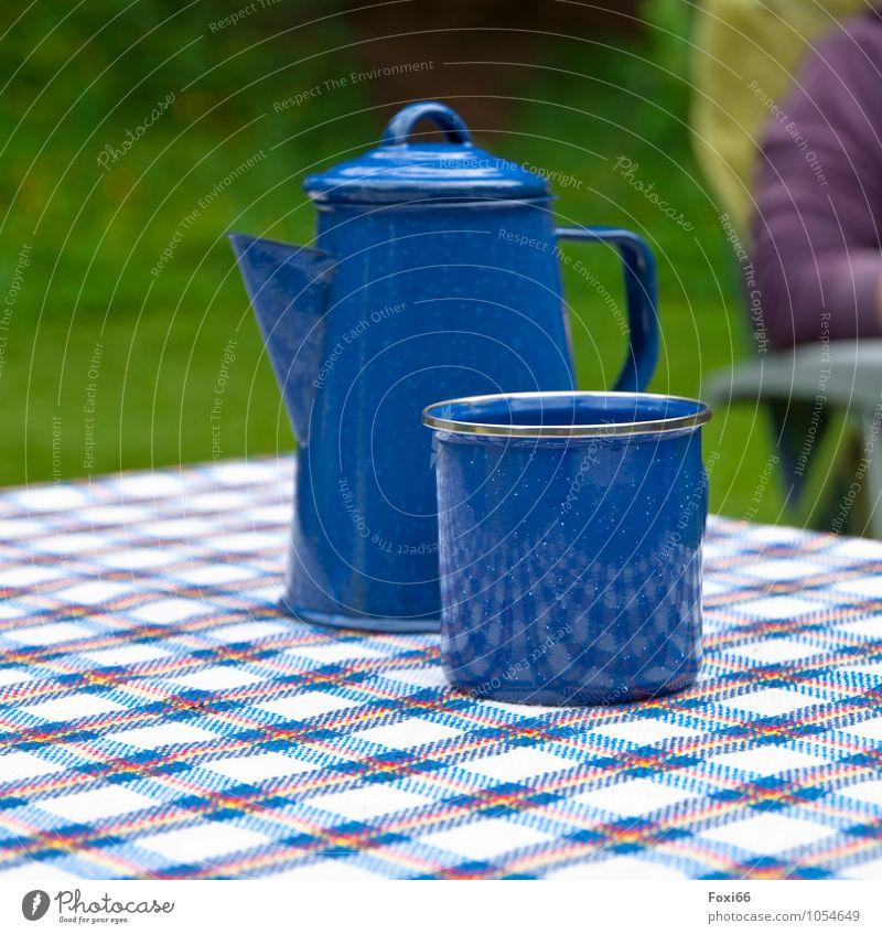 ich lad zum Kaffee ein.... blau weiß Erholung rot ruhig Ferne Leben Freiheit Metall Tisch genießen Ausflug Lebensfreude Stuhl Camping Gastfreundschaft