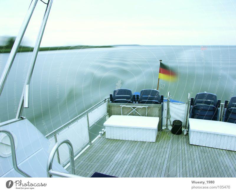 Kreuzfahrt Himmel blau Ferien & Urlaub & Reisen schön Wasser Meer ruhig Ferne Leben Freiheit Zeit Wasserfahrzeug Wellen Ausflug Bodenbelag Fluss