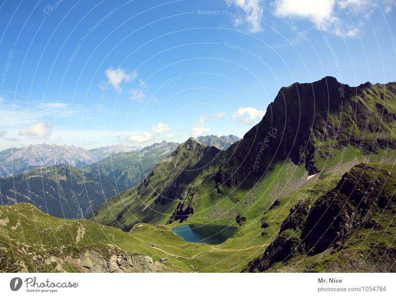 natur pur Himmel Natur Ferien & Urlaub & Reisen grün Sommer Einsamkeit Landschaft Ferne Berge u. Gebirge Umwelt Freiheit Tourismus hoch Ausflug Klima