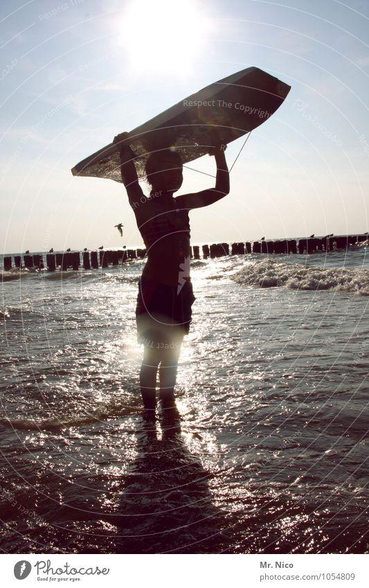 brett vorm kopf Lifestyle Freizeit & Hobby Ferien & Urlaub & Reisen Tourismus Ausflug Freiheit Sommer Sommerurlaub Strand Meer Wellen Wassersport feminin